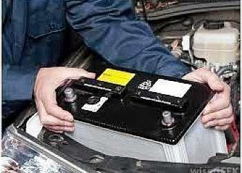 Descartar baterias automotivas velhas