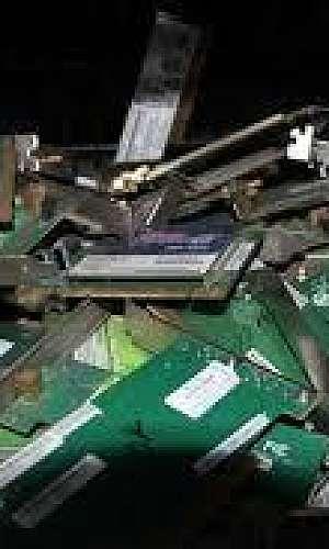 coleta de equipamentos eletrônicos