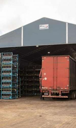 Comprar galpões lonados para logística e armazenagem