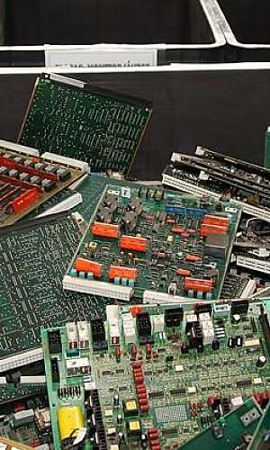 Descarte de material eletrônico