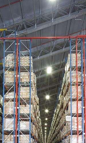 Empresa de galpões lonados para logística e armazenagem