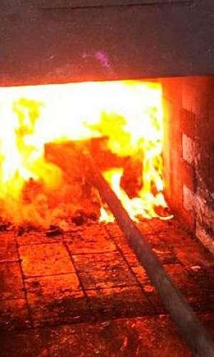 Incineração de resíduos sólidos industriais