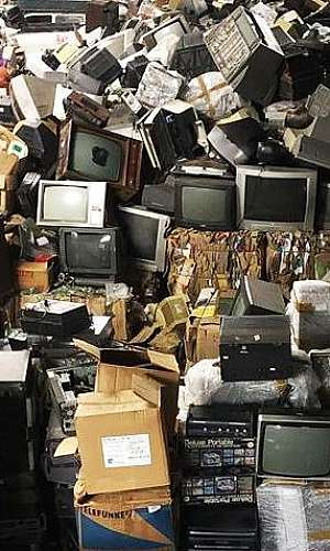 Prestação de serviços em coleta de resíduos eletrônicos