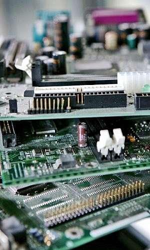 Reciclagem placas eletrônicas