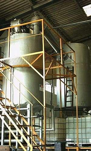 Recuperação de solventes por destilação